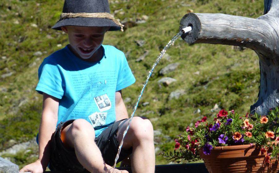 Bergquellwasser belebt