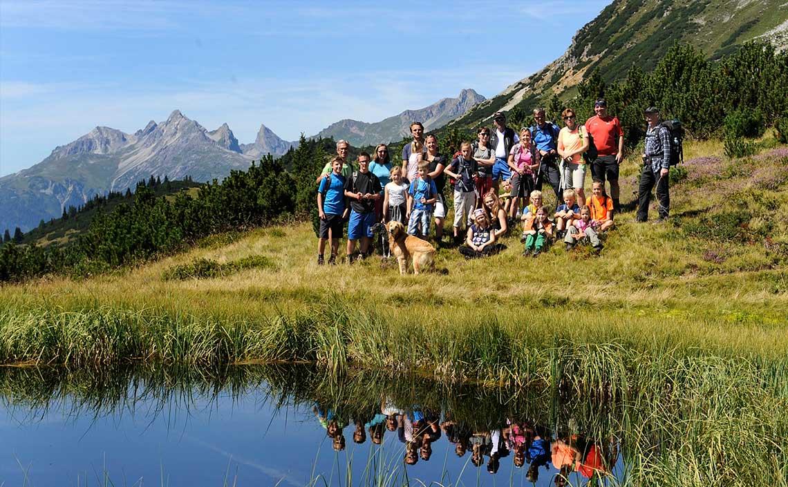 Gemeinsame Almwanderung  in der Naturparkregion